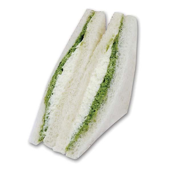 香り高い抹茶を楽しめるサンドイッチ。273kcal