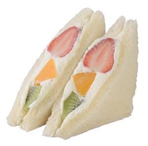 コクのある黄桃とさっぱりとしたキウイのバランスがいい組み合わせ。297kcal